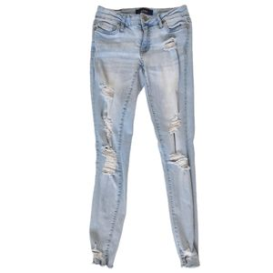 Aeropostale Aero Light Wash Distressed Skinny Jean